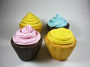 Cupcakes cenograficos coloridos