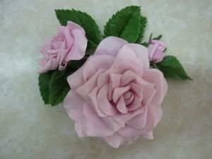 Flor cenografica arranjo rosa selvagem corderosa